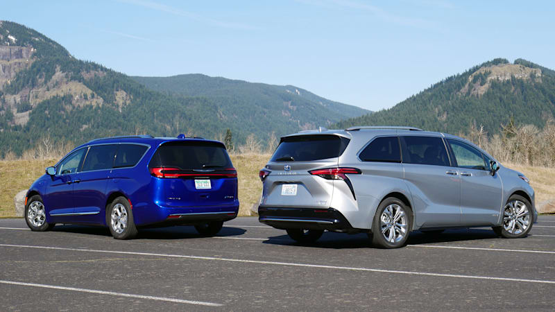 2021 Chrysler Pacifica Hybrid vs 2021 Toyota Sienna Comparison Test