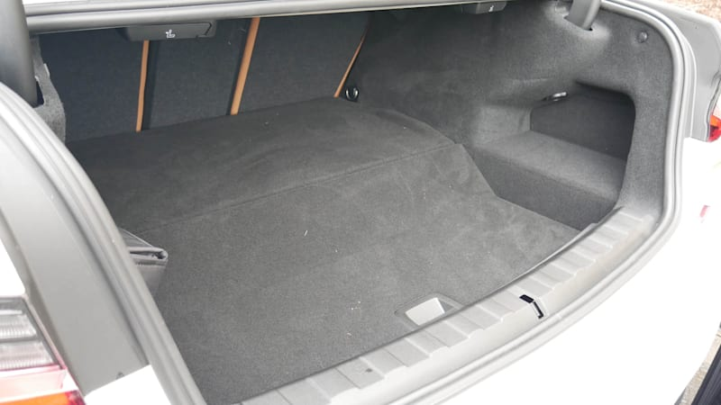 2021 BMW 330e trunk low from side1