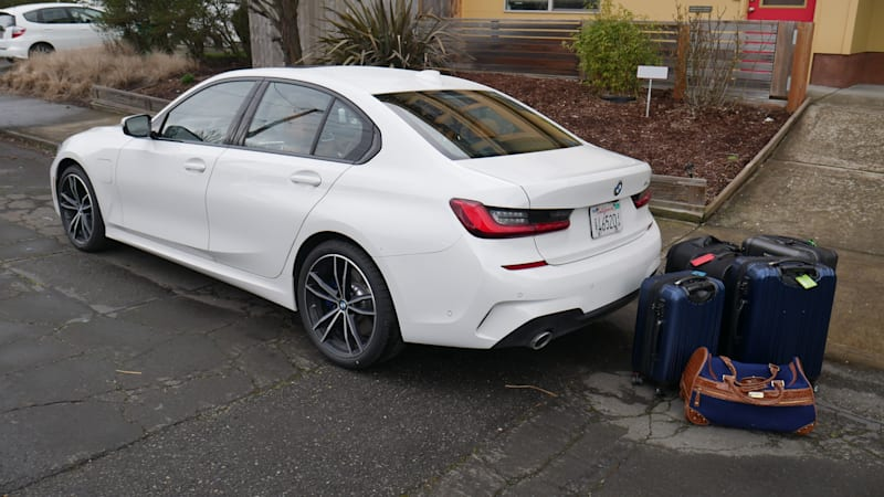 BMW 330e vs 330i and M340i Luggage Test | What the plug-in hybrid costs you