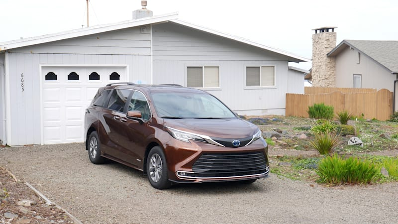 2021 Toyota Sienna XLE AWD Road Test | How does 39.4 mpg sound?