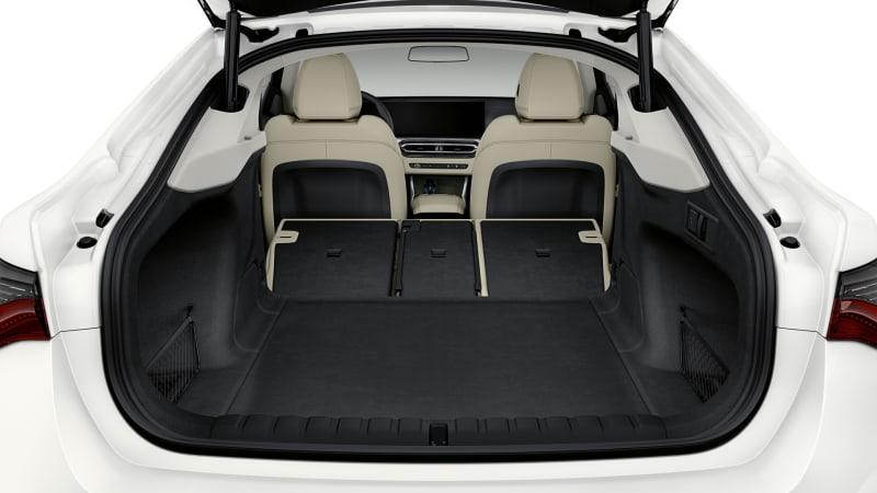 2022 BMW i4 eDrive40 trunk