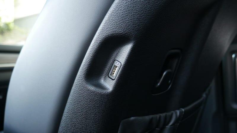 2021 Kia Telluride back seat USB