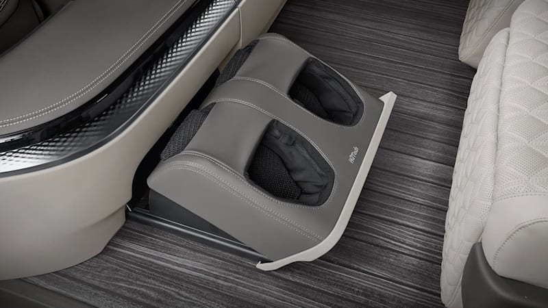 2022 Kia Carnival Hi Limousine foot massager
