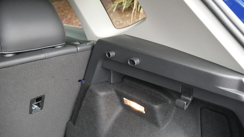 2022 VW Taos Luggage Test cargo cover plugs