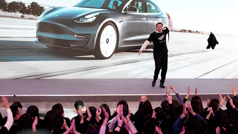 photo of Tesla's quarterly report tomorrow could trigger $7 billion payout to Musk image
