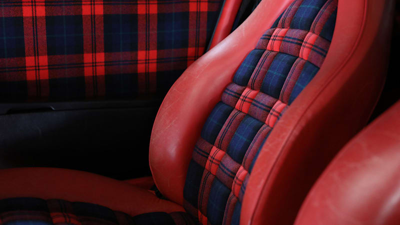 731c584612 Porsche's best seats are plaid and checkers, not leather ...