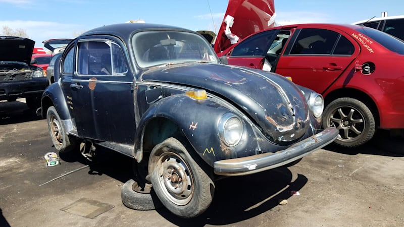 Junkyard Gem: 1971 Volkswagen Super Beetle