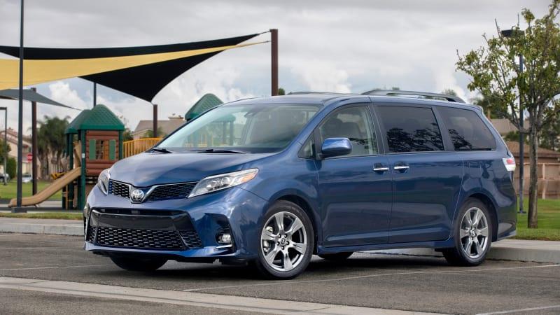 2018 Toyota Camrys, Siennas to get Apple CarPlay, Amazon Alexa