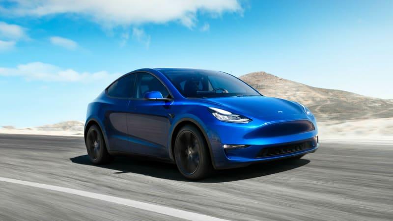 Tesla снижает базовые цены на Model 3 и Model Y