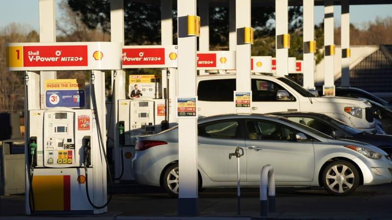 Трамп соглашается отложить увеличение штрафов за экономию топлива