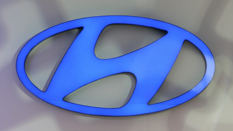 Hyundai wrestles with the risks of embracing Apple