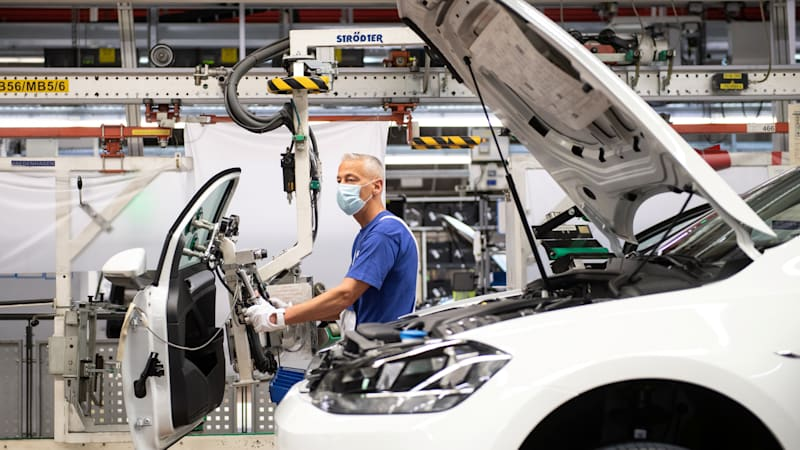 Carmakers wake up to new pecking order as chip crunch intensifies