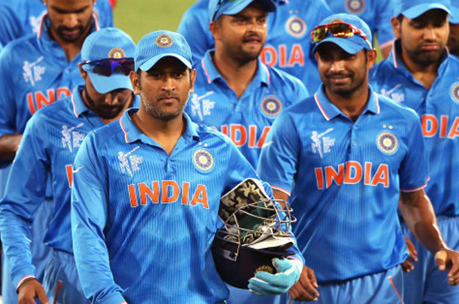 ADELAIDE, AUSTRALIA - FEBRUARY 10: MS Dhoni of India leads the team off the field after the 2015 ICC Cricket World Cup warm up match between India and Afghanistan at Adelaide Oval on February 10, 2015 in Adelaide, Australia.  (Photo by Daniel Kalisz/Getty Images)
