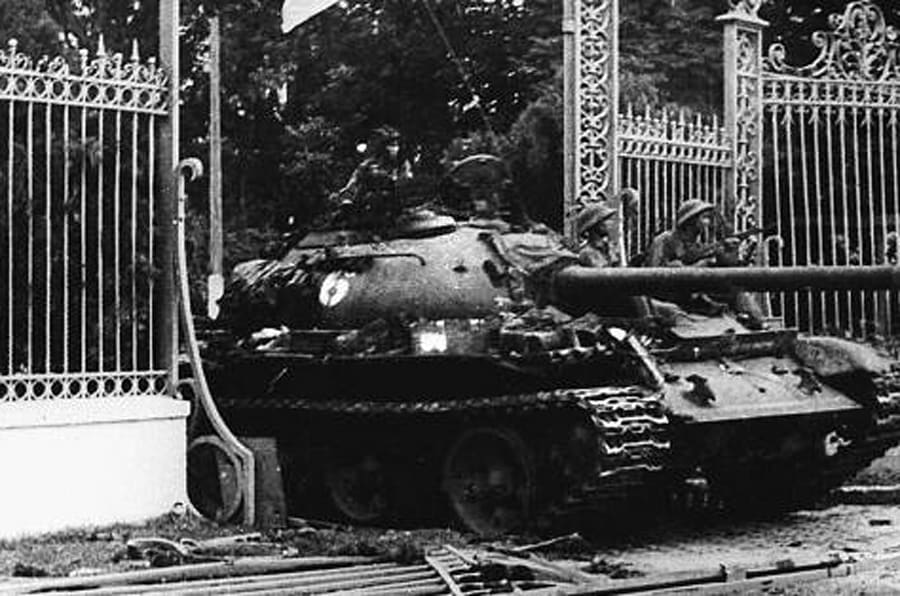 SAIGON, VIET NAM:  VIETNAM OUT  TO GO WITH 'VIETNAM-US-WAR-ANNIVERSARY' (FILES) This 30 April 1975 file photo shows a North Vietnamese communist tank driving through the main gate of the presidential palace of the US-backed South Vietnam regime as the city falls into the hands of communist troops.  Vietnam will celebrate 30 April 2005 the 30th anniversary of the fall of Saigon, since renamed Ho Chi Minh City, a defining moment that sealed the catastrophic failure of US policy in Indo-China and cemented the communist victory in the long war.  VIETNAM OUT     AFP PHOTO/VNA/FILES  (Photo credit should read AFP/AFP/Getty Images)