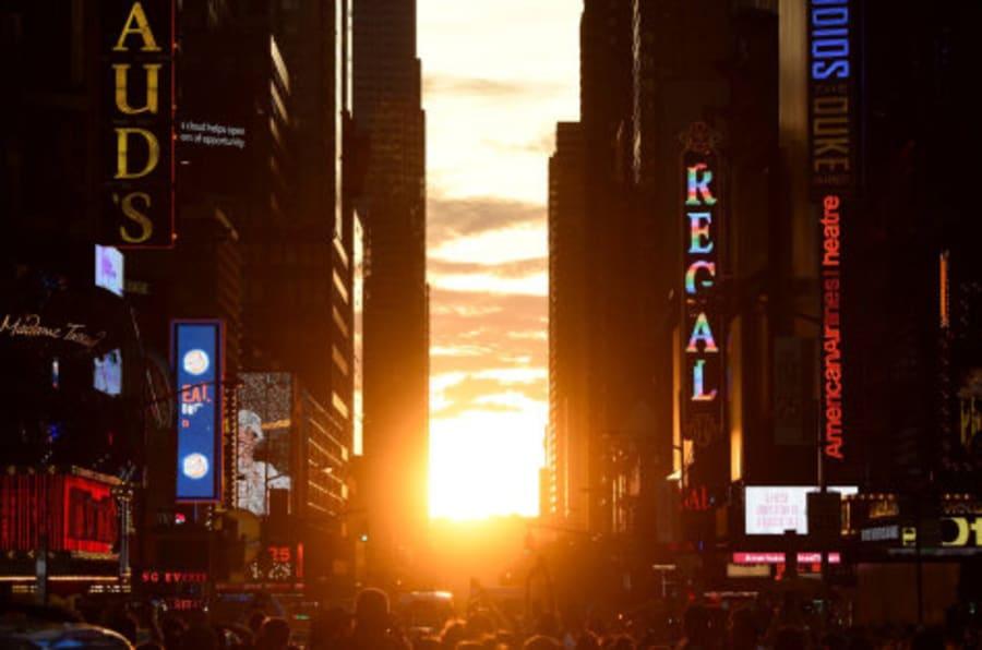 Los fotones del segundo (y último) Manhattanhenge de 2016