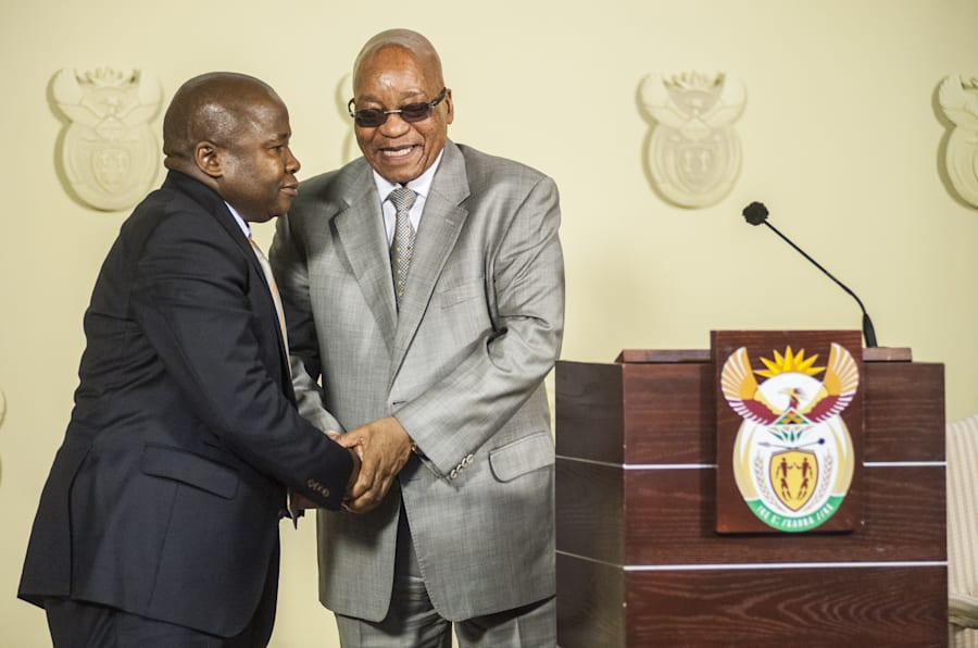 Des van Rooyen with then0-president Jacob Zuma at his swearing-in ceremony on December 10, 2015. Van Rooyen only met his new advisers on the day he went to national Treasury.
