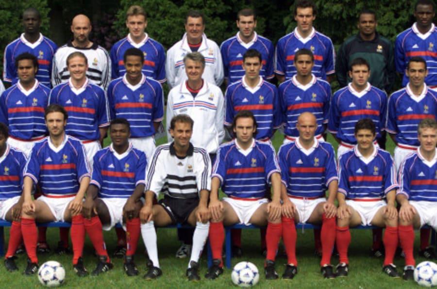 Photo interactive ce que sont devenus les joueurs de france 98 alors que thierry henry prend sa - Joueur coupe du monde 98 ...