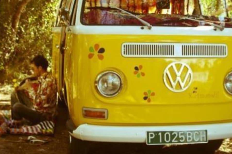 Rivive il mito del furgoncino volkswagen l 39 i d buzz avr for Furgone anni 70 volkswagen