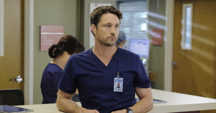 Greys Anatomy Says Goodbye To One Cast Member Adds New Face