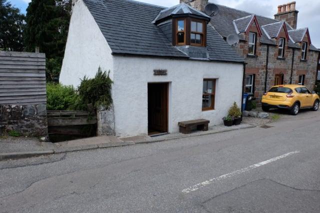 The Drumnadrochit cottage