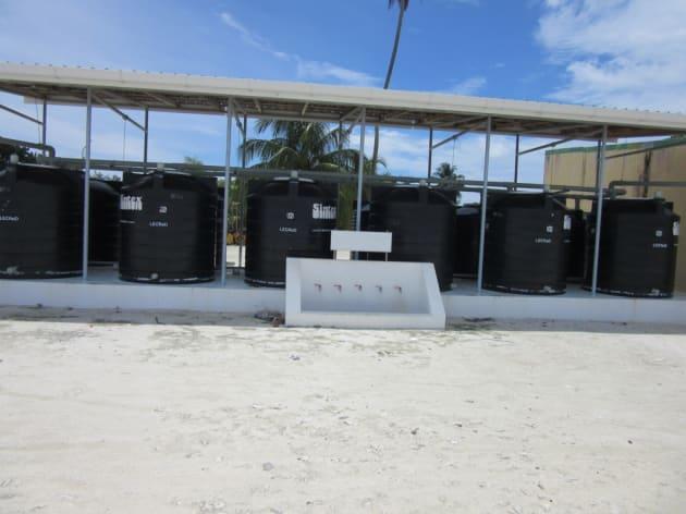国連がコミュニティー用の雨水貯水システムを支援