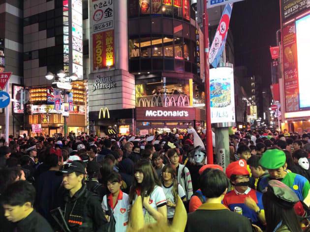 渋谷ハロウィンに集まった群衆
