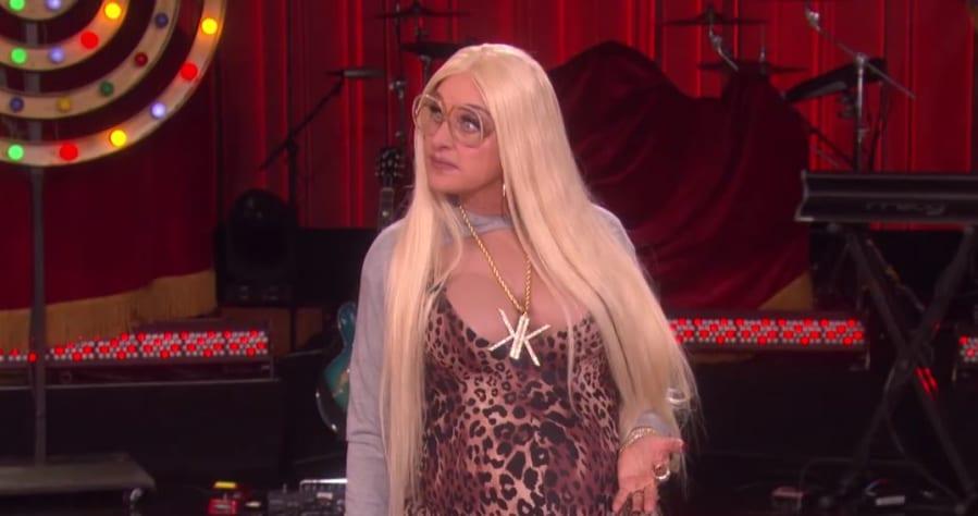 Ellen DeGeneres Dressed up as a Faux Kardashian for Halloween ...
