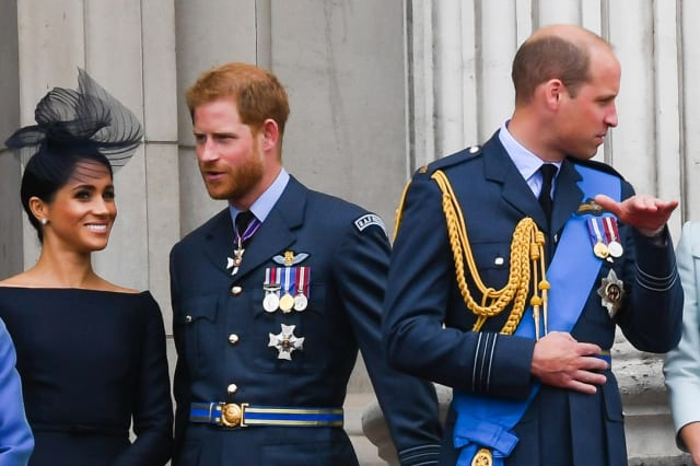 Harry, Meghan, William, and Kate apparently have a royal family group chat
