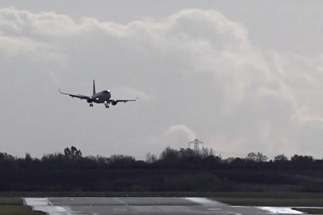 Pilots struggle to land in Hurricane Zeta crosswinds at Birmingham Airport