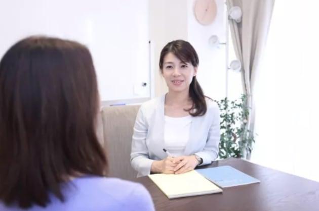 「家族のためのADRセンター」を運営。 5年ほど前に東京家裁の後見センターに在籍。