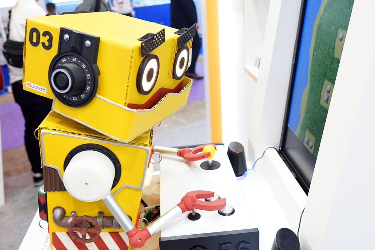 バンナム、『ゼビウス』をひたすらプレイするロボットを展示。研究対象はロボットではなく観察者 CEATEC