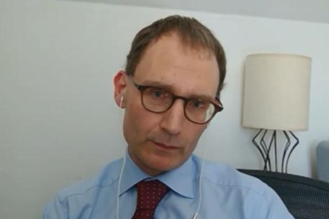 Coronavirus deaths 'could have been halved if UK entered lockdown week earlier'