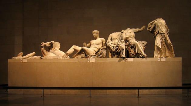 パルテノン神殿 彫刻群 Wikimedia より