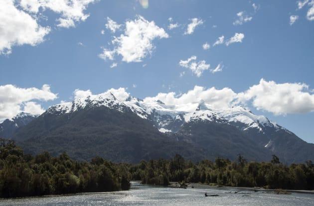 イェルチョ湖と氷河