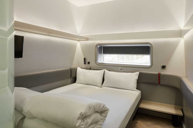 These Tiny Hotel Rooms Are Like First Class Airplane Suites on the Ground