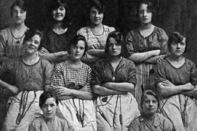 Can you spot the chilling detail in this hundred-year-old photo?