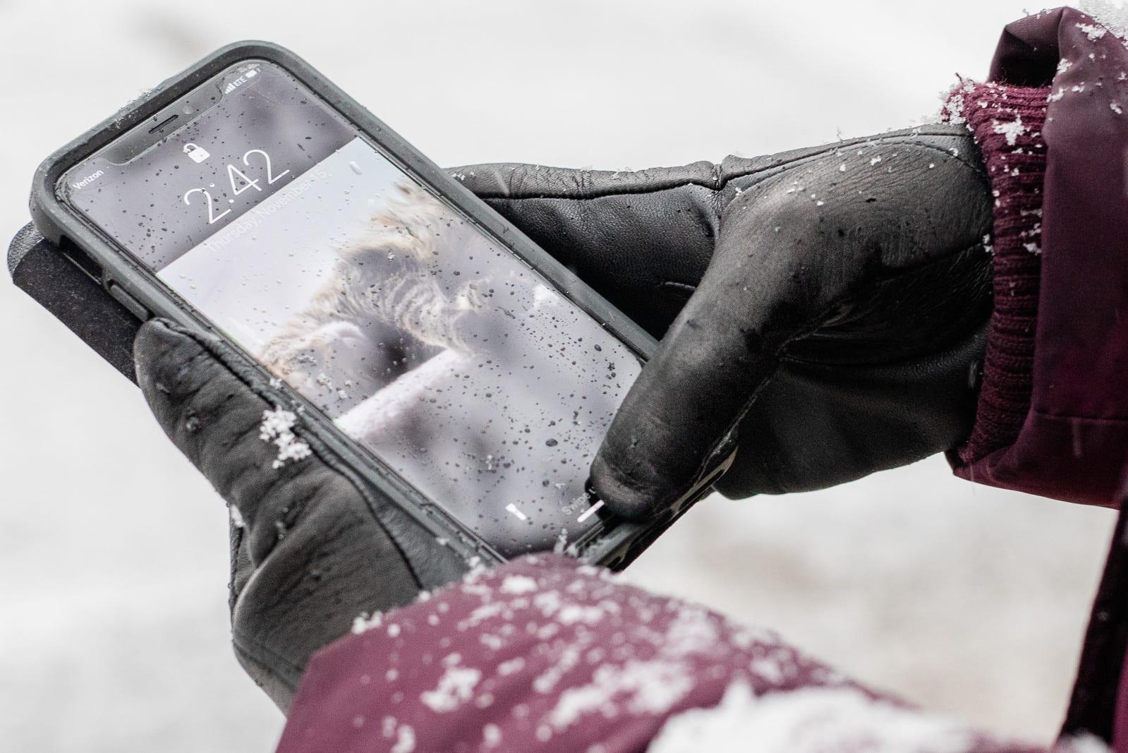 Touchscreen winter gloves