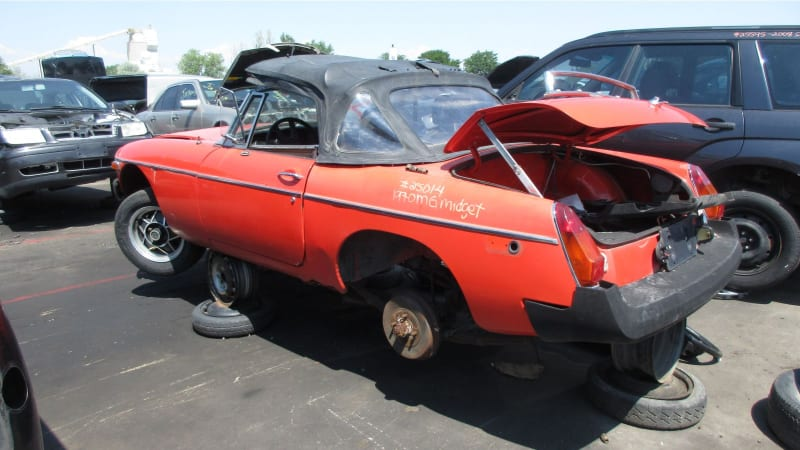 1980 MG MGB junkyard find | Autoblog