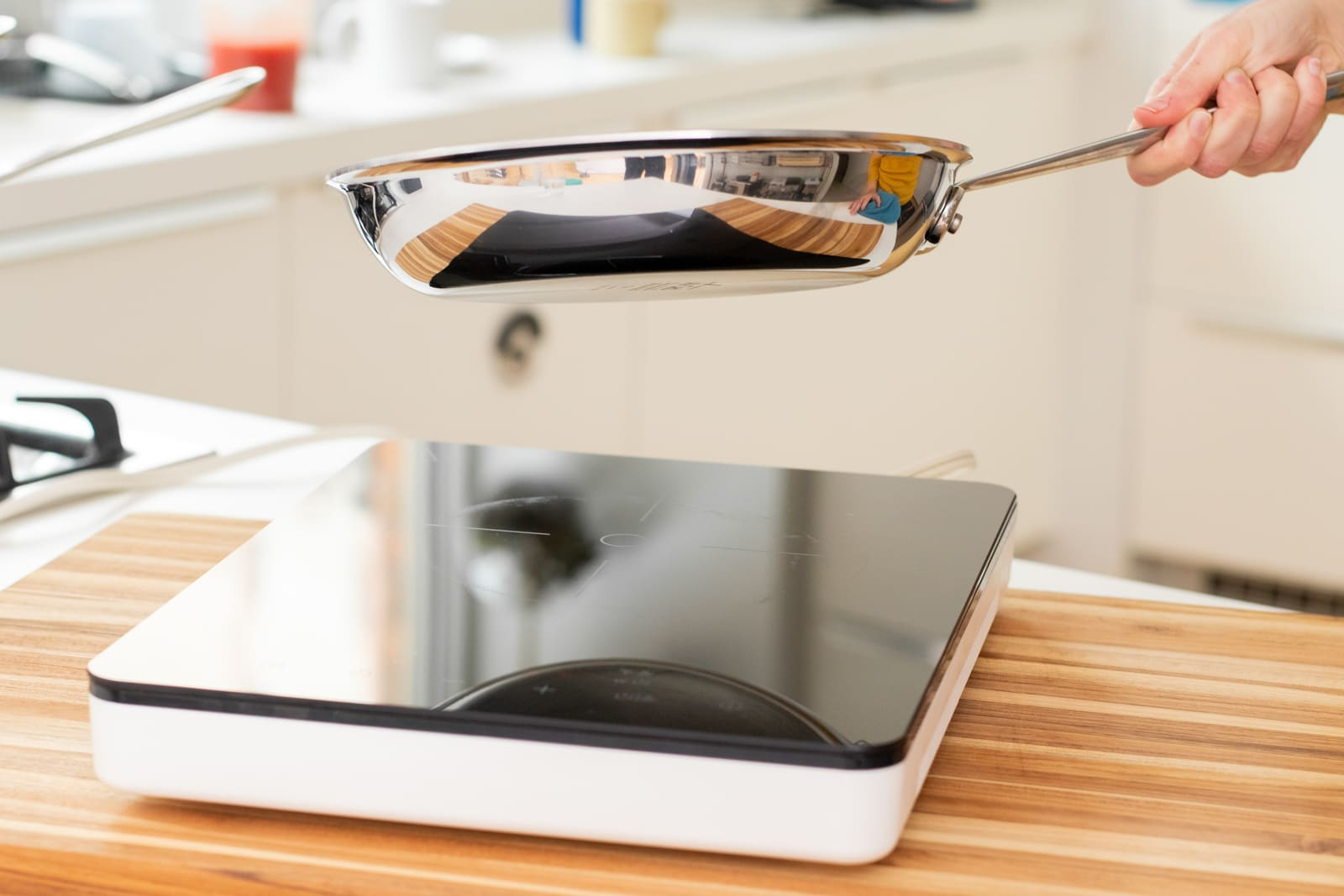 Portable induction cooktops