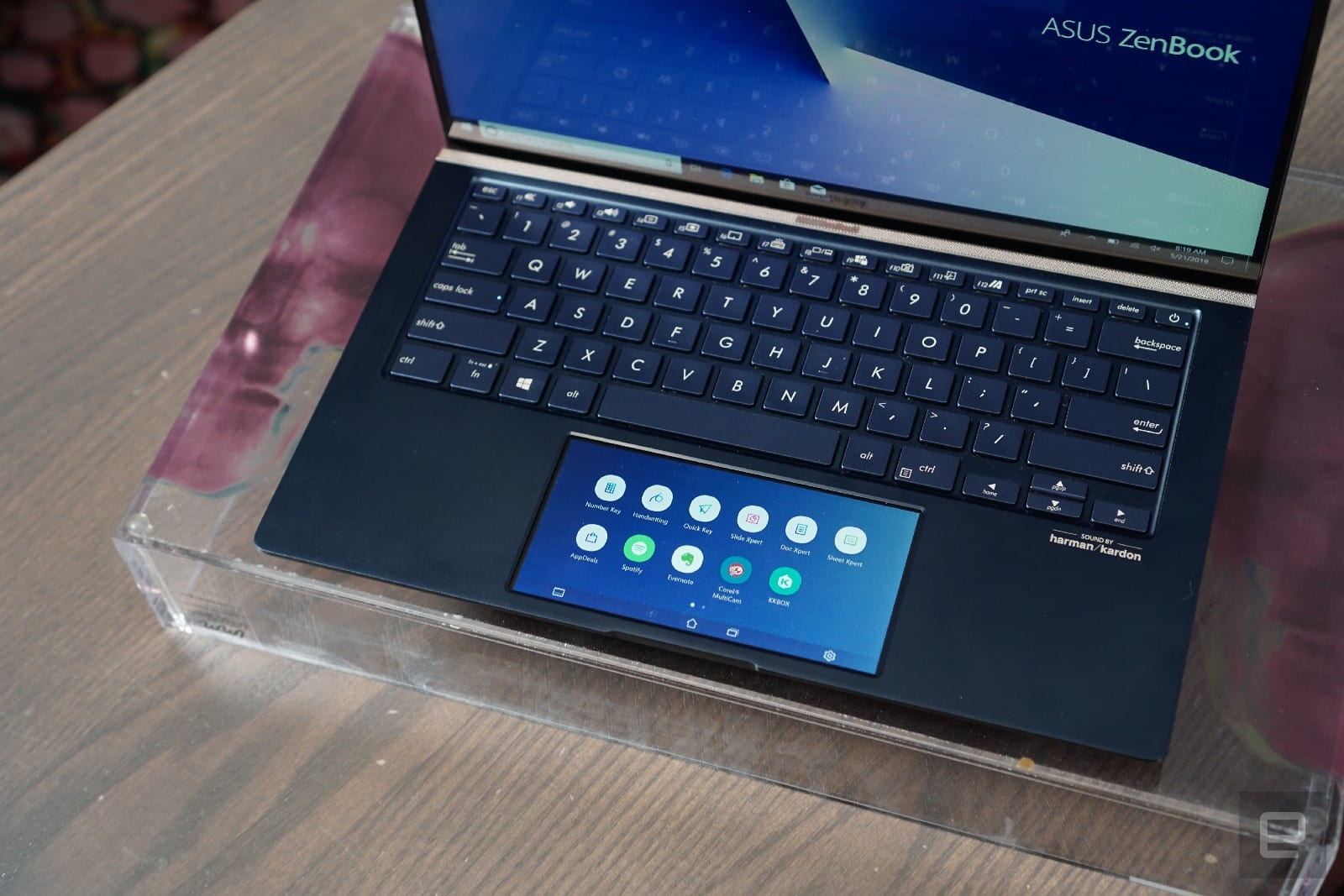 ASUS ScreenPad 2.0 touchscreen trackpad