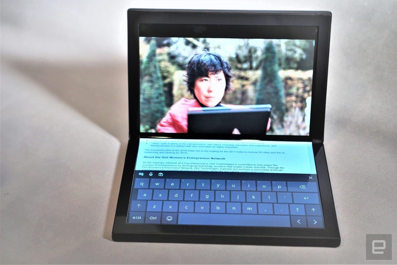 Windows Phone: Dell Concept Ori folding screen