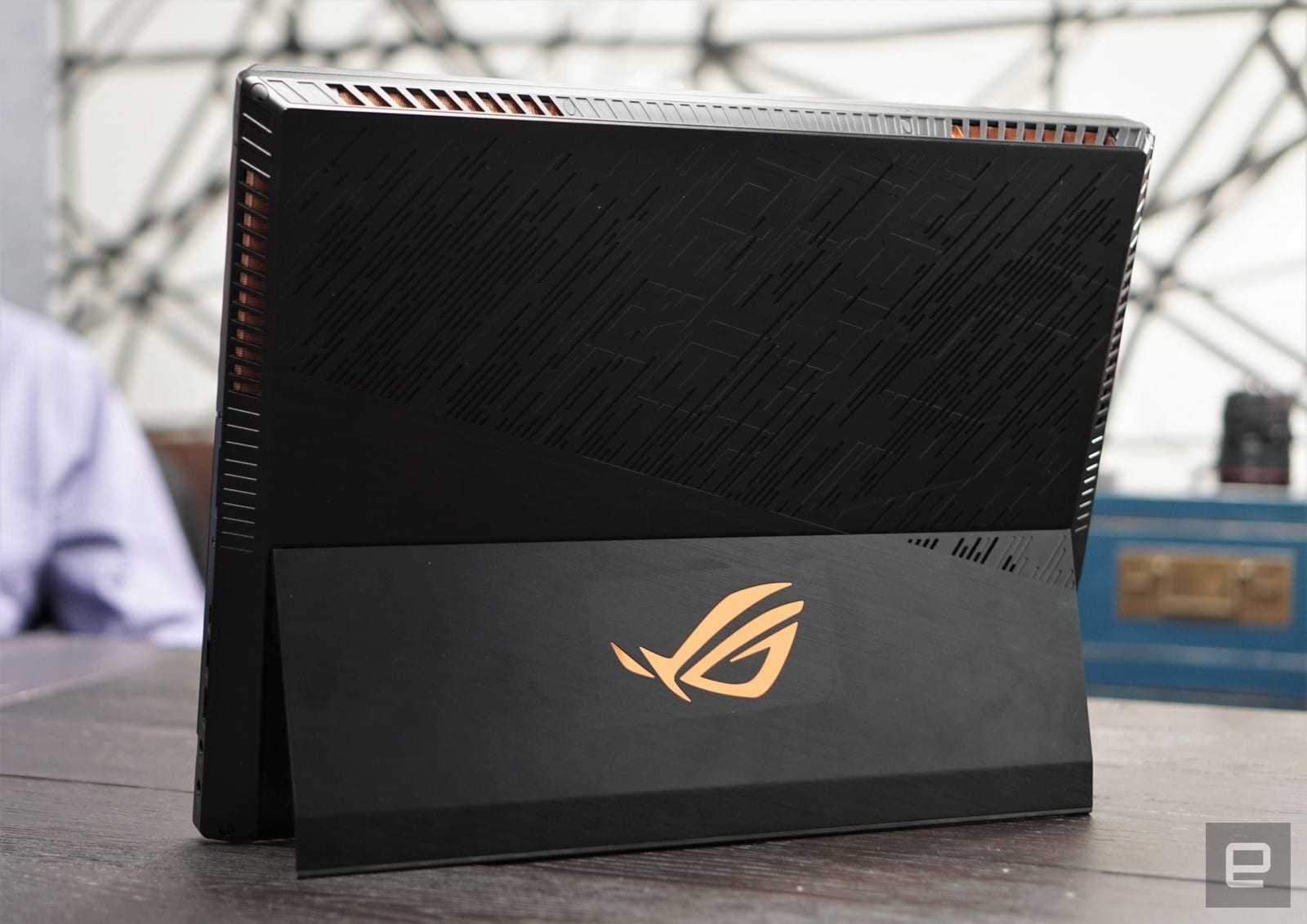 You've never seen a gaming laptop like the ASUS ROG Mothership