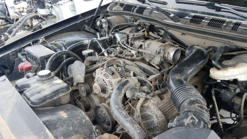 2003 Ford Crown Victoria Police Interceptor junkyard find | Autoblog