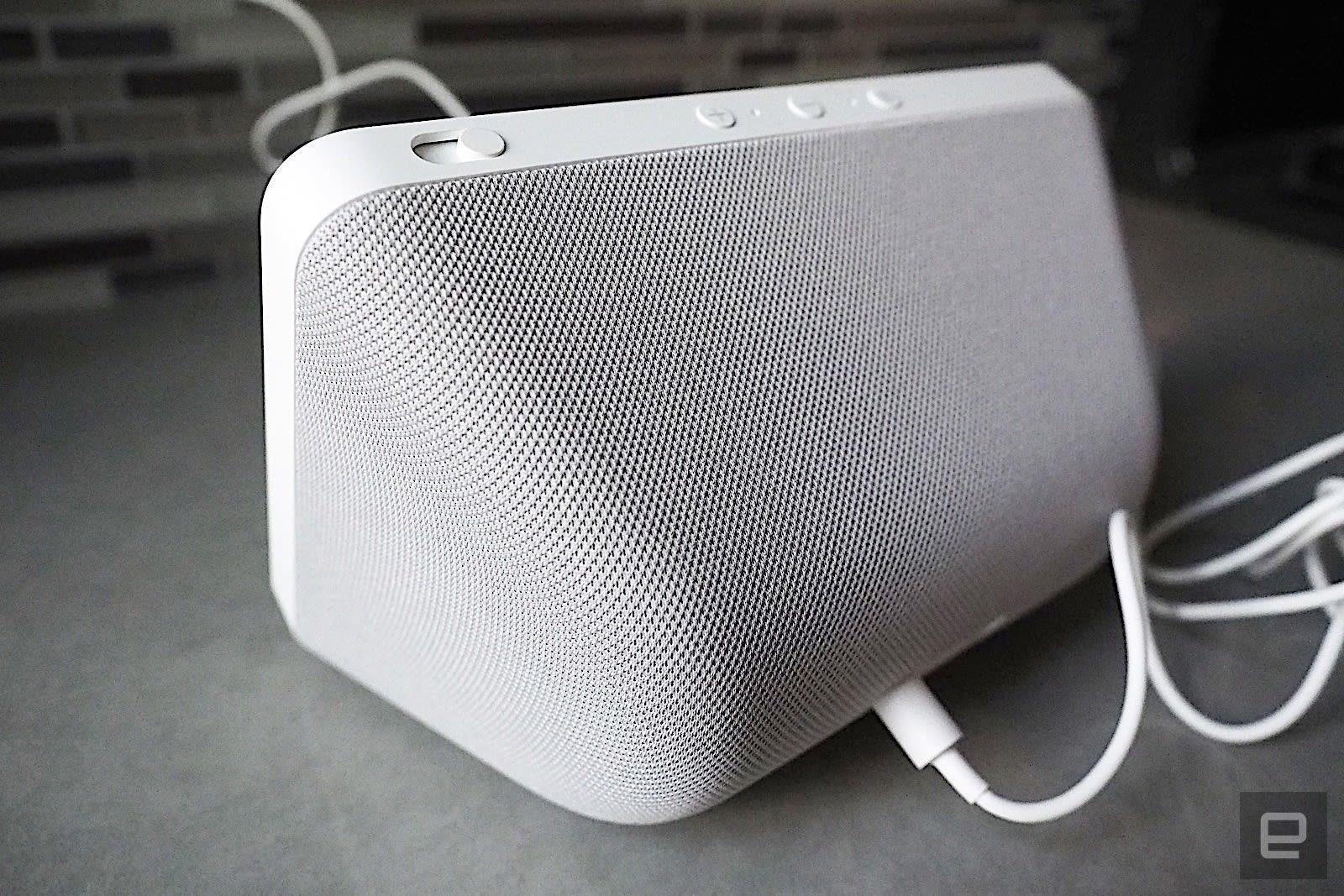 Lenovo Smart Display 7 vs. Amazon Echo Show 8