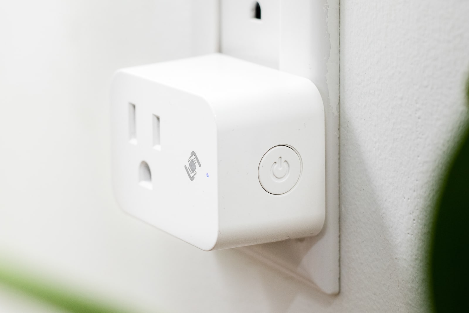 Plug-in smart outlet