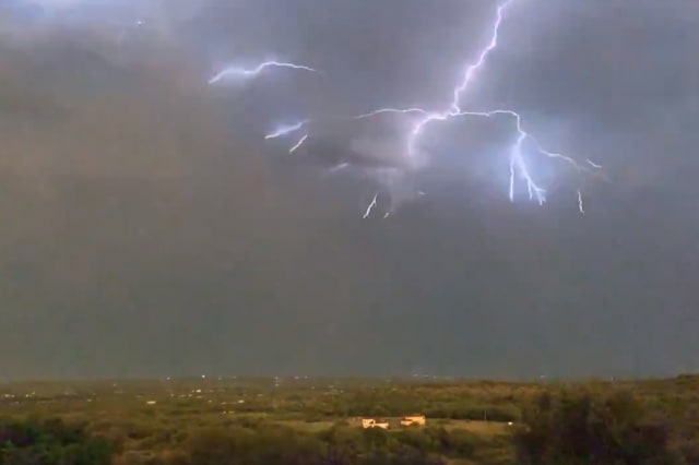 Slow motion video captures spectacular lightning in Texas