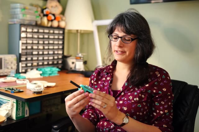 A space engineer has built her own 'retro' cell phone