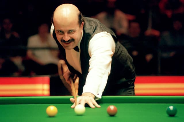 Willie Thorne File Photo