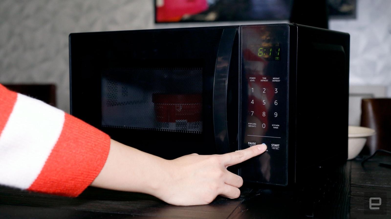 Amazon AmazonBasics Microwave