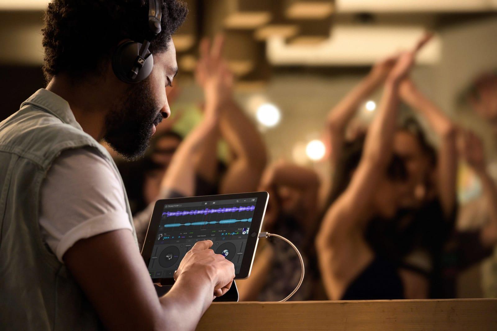 Native Instruments' Traktor DJ 2 breaks free from the iPad